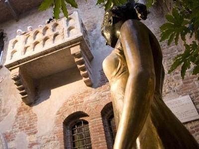 Kisah Patung Juliet yang Jadi Incaran Para Jomblo