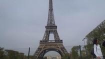 Ssst... Ada Rahasia di Puncak Menara Eiffel