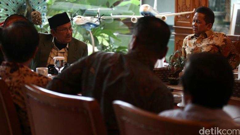 Ketua KEIN Soetrisno Bachir Temui BJ Habibie