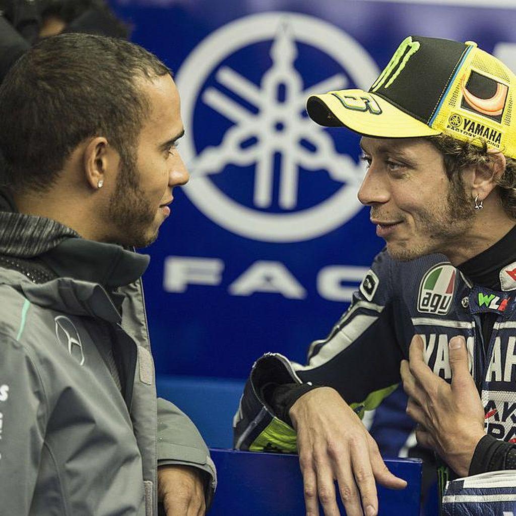 Hamilton Ingin Cicipi Balapan MotoGP