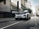 Ragukan Mobil Hybrid? Nih Lihat Saat Ngedrift