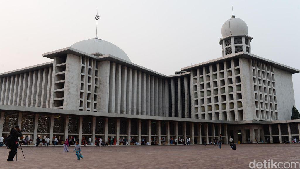 Polisi Geledah Kontrakan Pengancam Bom Masjid Istiqlal