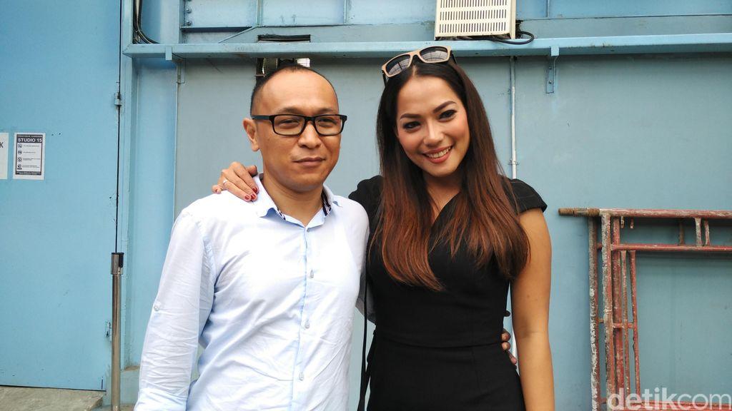 Hamil Empat Bulan, Jenny Cortez Stop DJ dan Mulai Rajin Berenang