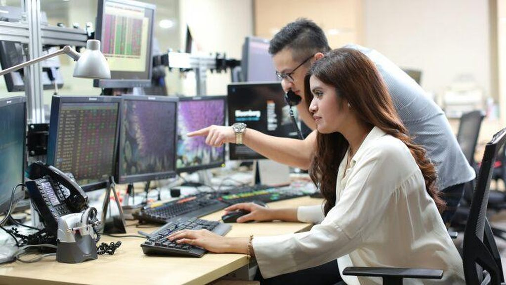 Mandiri Sekuritas: IHSG Bisa Terkoreksi Pasca Cetak Rekor