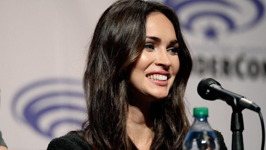 Megan Fox Jadi Model Lingerie 5 Bulan Pasca Melahirkan