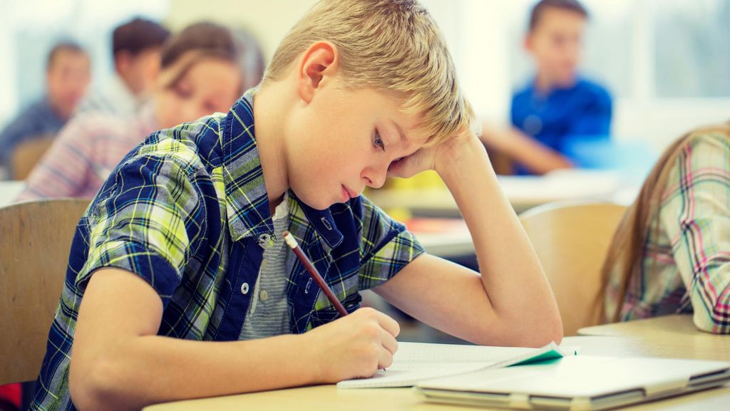 Anak Sedang Sibuk Ujian, Ini yang Sebaiknya Dilakukan Orang Tua