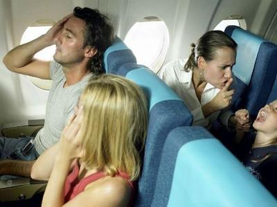 Jangan Lakukan 5 Hal Ini, Atau Anda Akan Dibenci di Pesawat