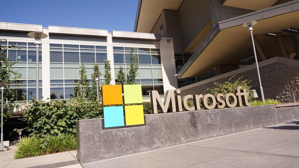 Microsoft Untung Besar Berbisnis Awan