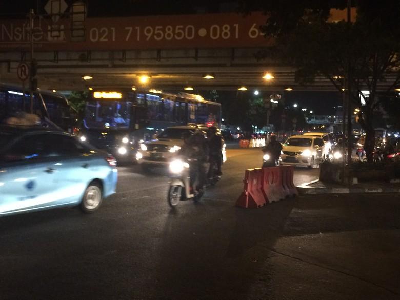 Kronologi Penyerangan Sekelompok Pria Cepak pada Polantas di Mampang