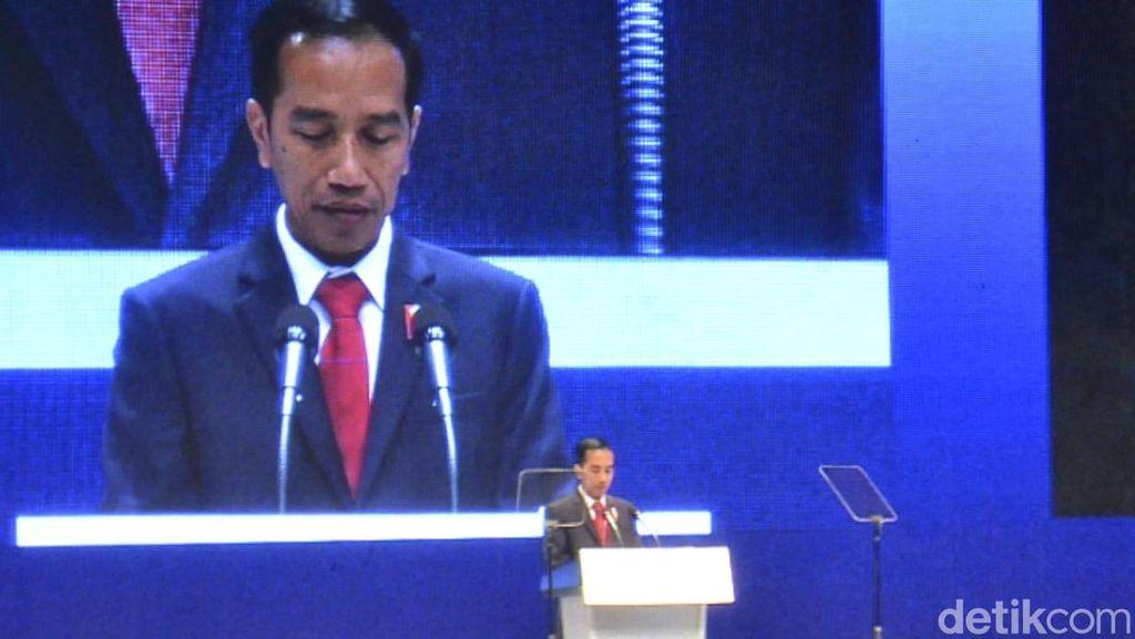 Selipkan Candaan, Jokowi Presentasikan Gaya Blusukan ke Pemimpin Asia