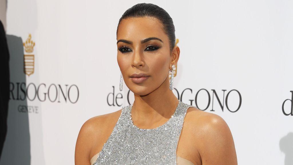 Pasca Perampokan Paris, Kim Kardashian Pakai Perhiasan Lebih Murah