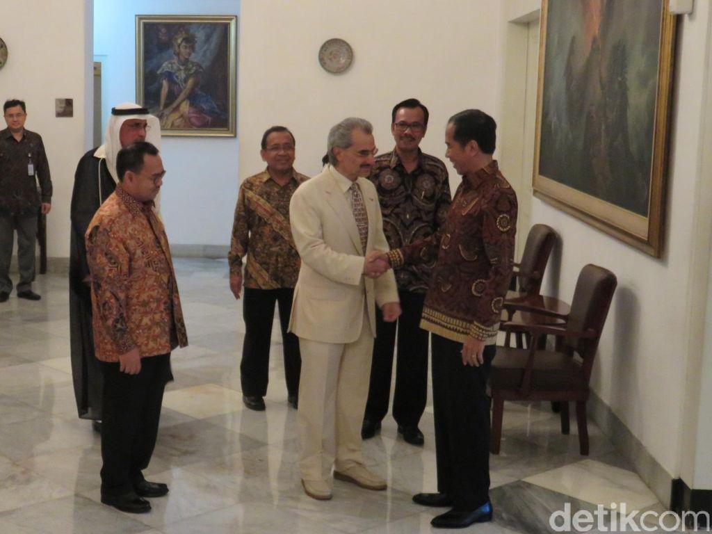 Pernah Bertemu Jokowi, Pangeran Alwaleed Ikut Raja Salman ke RI?