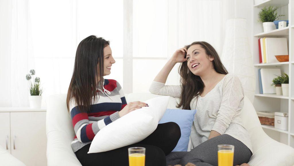 Curhat dengan Teman Dekat Bisa Kurangi Stres Akibat Konflik Perkawinan
