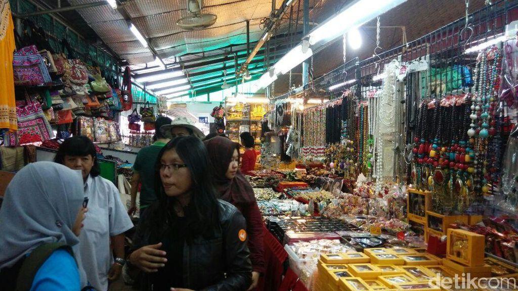 Belanja di Wat Arun Bangkok, Bisa Pakai Rupiah