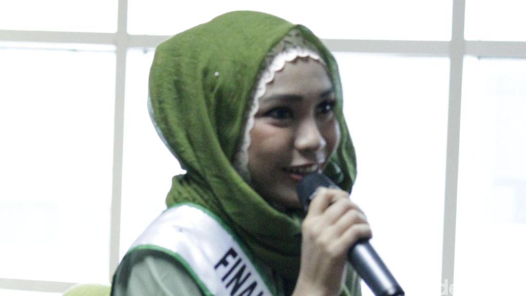 Tips Berpose ke Kamera dari Diera Bachir untuk Finalis Sunsilk Hijab Hunt 2016
