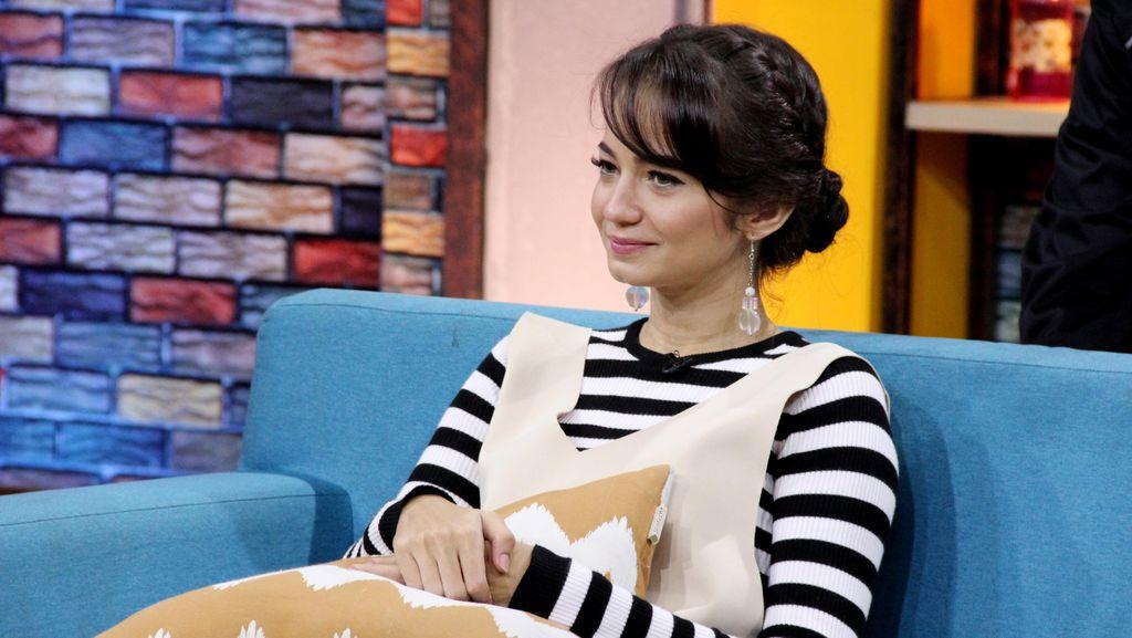 Enzy Storia Rasakan Keseruan Main FTV Trans TV Jamu Tolak Galau