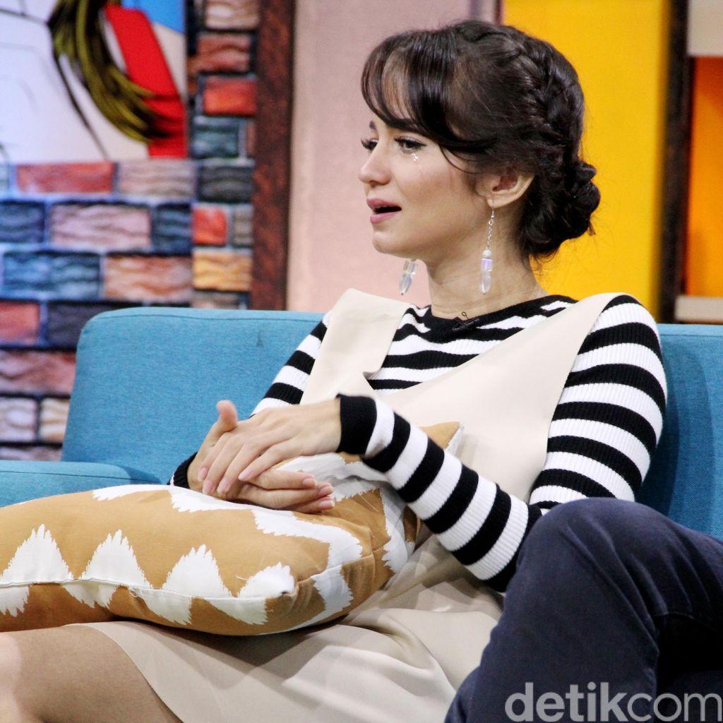 Enjoy Berakting, Enzy Storia Tak Harapkan Label Ratu FTV