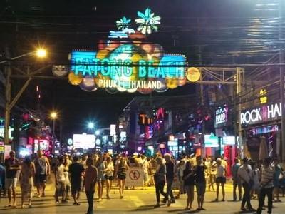 Dunia Malam Phuket yang Tak Kalah Liar dari Bangkok