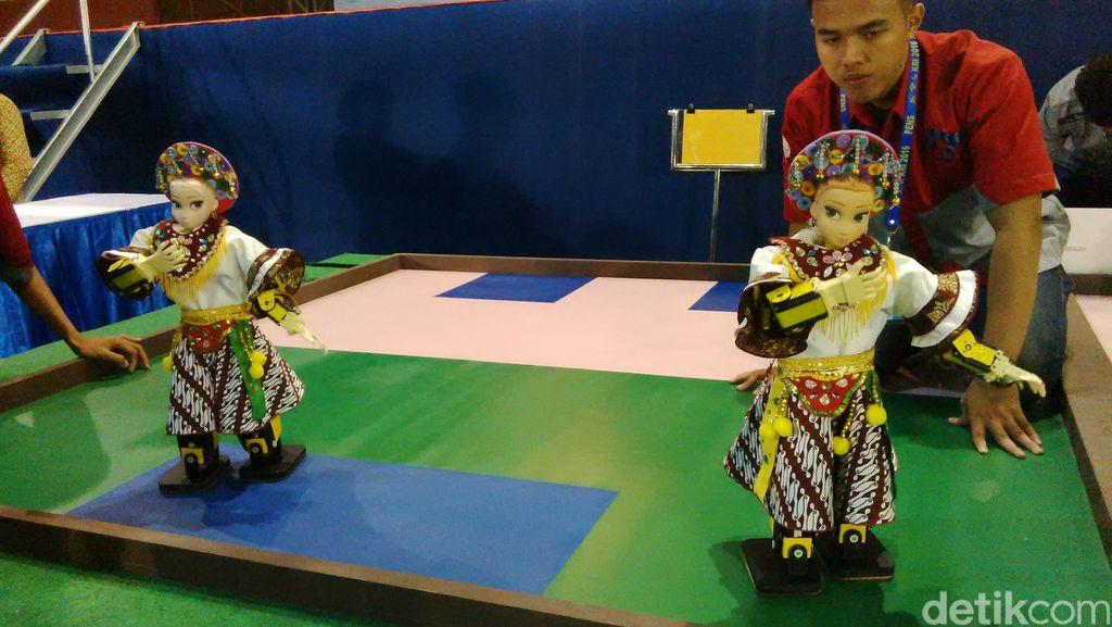 Gerombolan Robot Serbu Surabaya