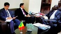 Senegal Tertarik Produk Kapal dan Helikopter Indonesia