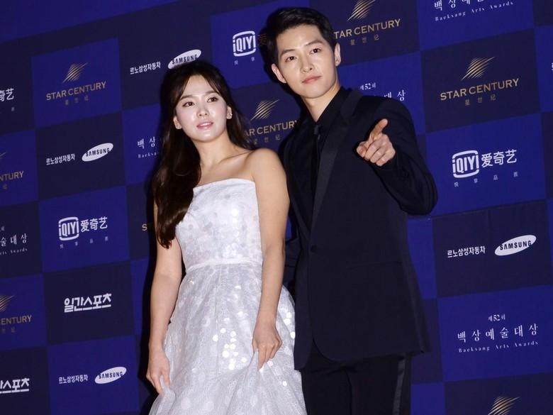 Manajemen Bantah Song Joong Ki dan Song Hye Kyo ke Bali Bersama