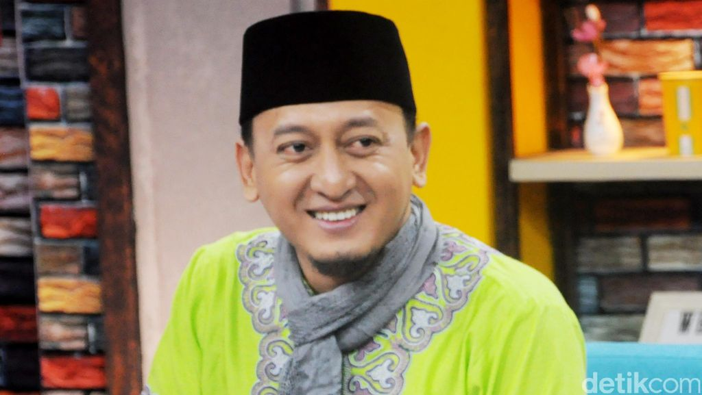 Ustad Zacky Mirza Dukung Aa Gym Maju Pilgub Jawa Barat