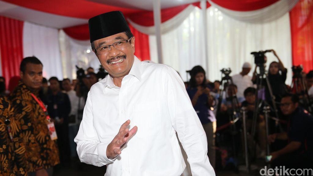 Djarot: Jangan Nakal, Bantu Saya Jadi Gubernur DKI Sampai Oktober