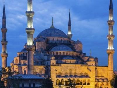 Masjid Biru yang Ajaib di Turki, Kubahnya Selalu Bersih