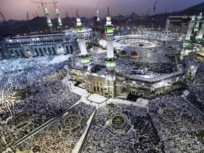 Tenggelam Dalam Khusyuk di Masjidil Haram