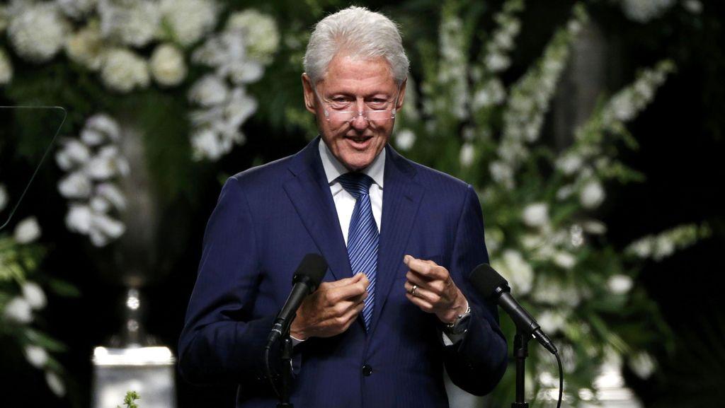 Bill Clinton Kagumi Muhammad Ali yang Tak Terbelenggu Penyakitnya