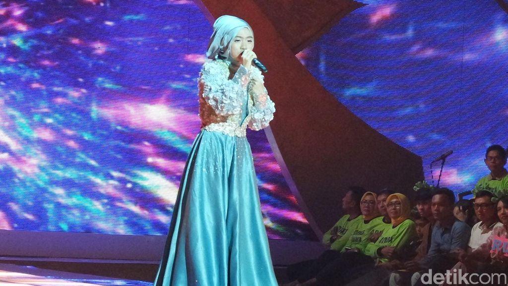 Nyanyi Keroncong Lagu Celine Dion, Denta Dipuji Juri Sunsilk Hijab Hunt 2016