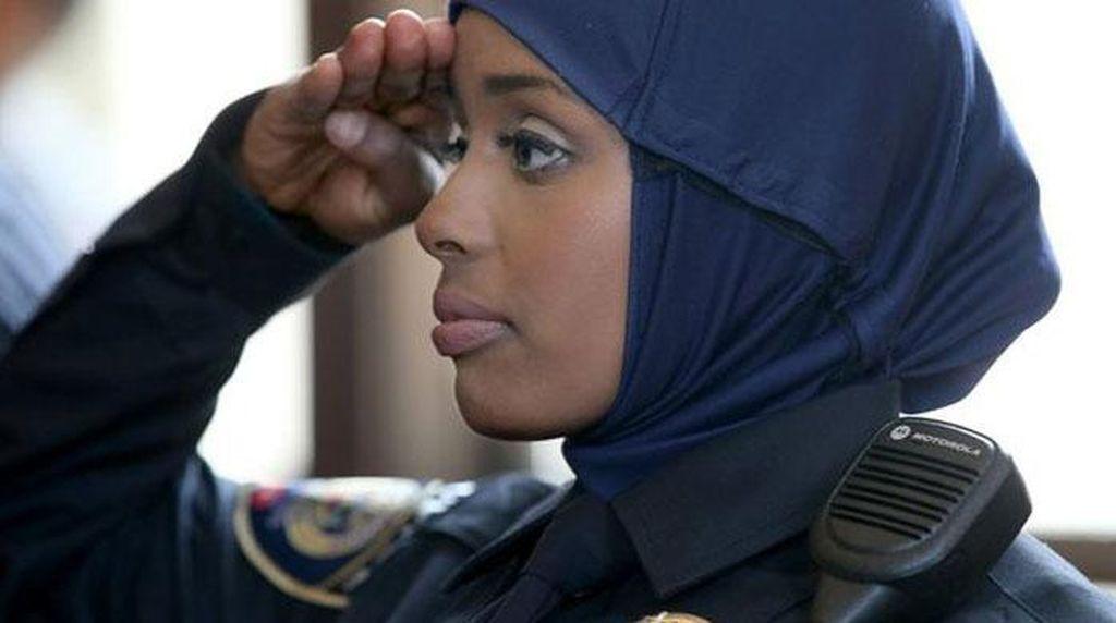 Izinkan Polwan Berhijab, Kepolisian Skotlandia Ajak Hijabers Jadi Polisi