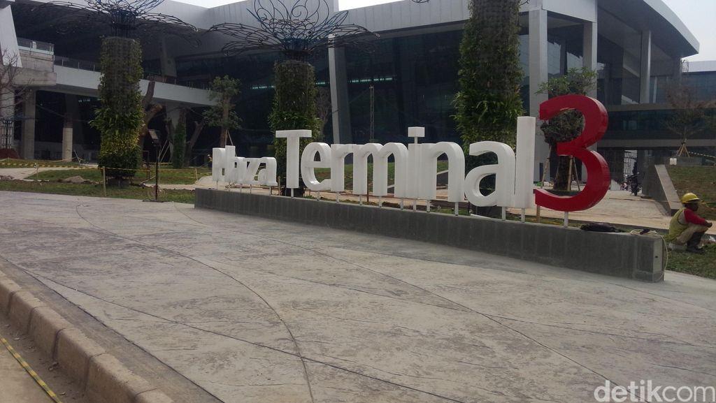 Mencoba Aplikasi Indonesia Airport, Asyik Nih Buat Traveling!