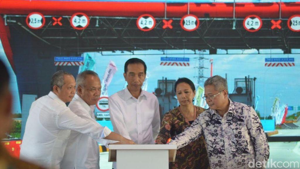 Tol Pejagan-Brebes Timur Diresmikan, Jokowi: Bisa Dilewati Pas Mudik