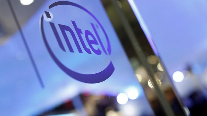 Ilustrasi Intel. Foto: Reuters/Tyrone Siu