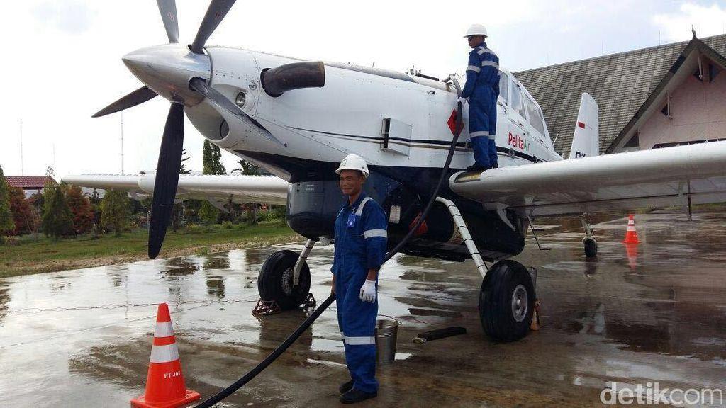 Begini Proses Pengiriman BBM Pakai Pesawat ke Perbatasan RI-Malaysia