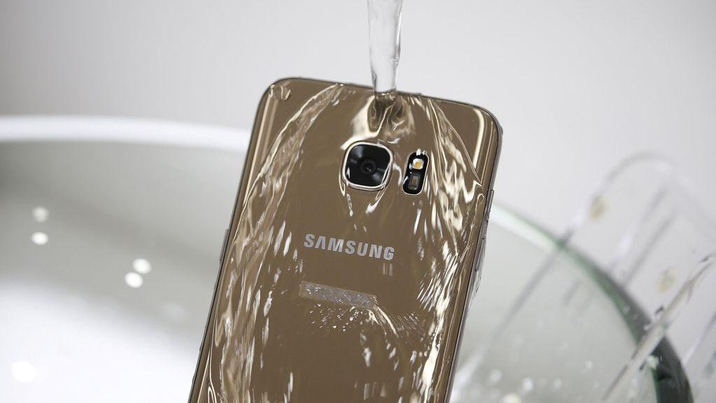 Ponsel Tercebur di Air Laut Bisakah Diselamatkan?