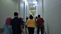 Pada tahun 2010, makamnya di Cikini sempat mau digusur oleh pihak pengembang apartemen. Namun karena perlawanan warga, akhirnya makam Habib Cikini dibiarkan dan dirapikan atas dana pihak pengembang yang berada persis di sisi kananya (Randy/detikTravel)