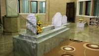 Ketika Habib Cikini meninggal, jenazahnya pun dimakamkan di lokasi Cikini bersama istri pertamanya dan anak dari Habib Kwitang yang meninggal ketika belum lama dilahirkan (Randy/detikTravel)