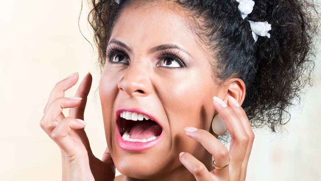 Muncul Perasaan Tak Bahagia Setelah Menikah, Alami Wedding Blues?