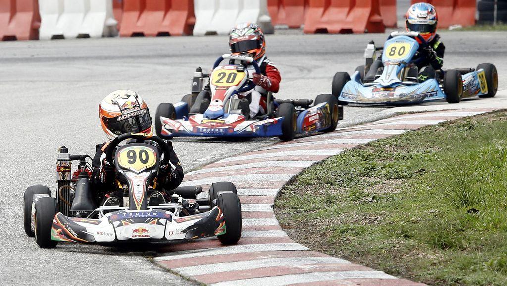 Sergio Noor Juara Rotax Max Challenge