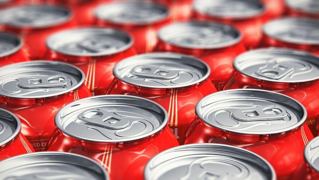 Minuman Kalengan dan Lalap Sayuran Juga Perlu Dicuci, Ini Alasannya!