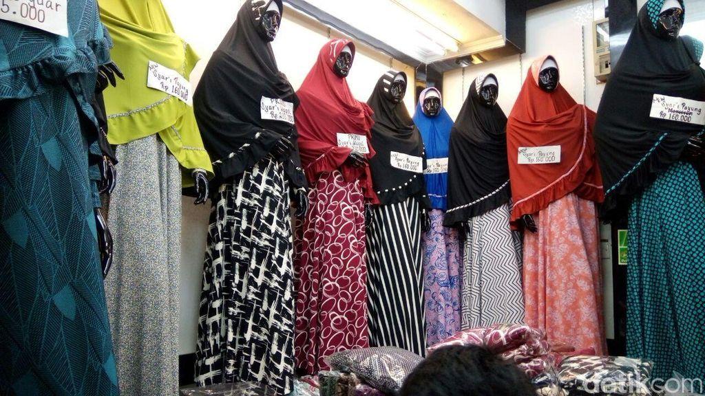 Jelang Lebaran, Penjual Baju Muslim Tanah Abang Kantongi Rp 25 Juta/Hari