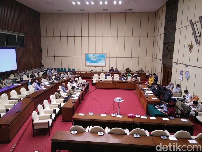 3 Menteri Jokowi Rapat dengan Komisi IV DPR, Ini Hasilnya