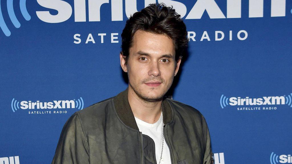 Putus dari Katy Perry, John Mayer Cari Pacar Lewat Aplikasi Kencan