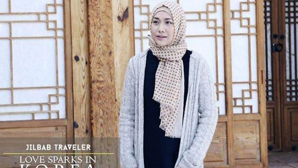 Foto: Inspirasi Gaya Hijab Traveling dari BCL di Film Jilbab Traveler