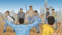 Polisi Tangkap 2 Pelajar yang Bawa Sajam saat Tawuran di Tamansari