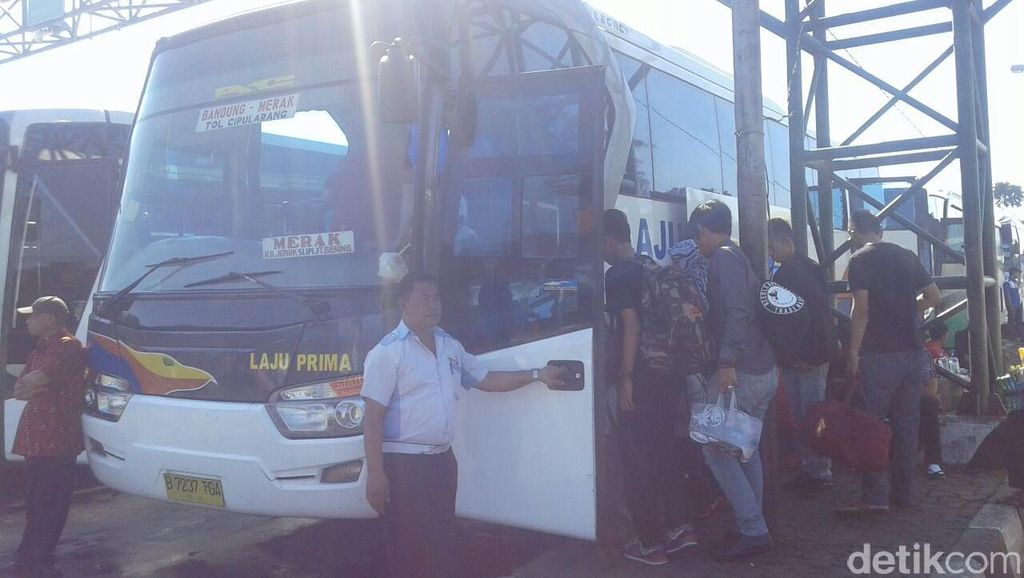 Arus Balik Liburan, 12 Ribu Orang Keluar Bandung via Leuwipanjang
