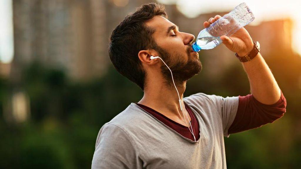 Rutinlah Makan Cokelat dan Minum Air untuk Perlancar Aliran Darah (1)