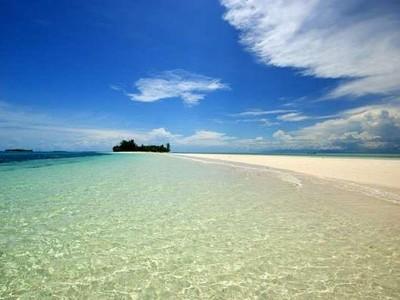 Bertualang Agak Jauh Usai Lebaran, Ayo ke Morotai!